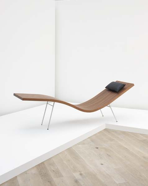 Phillips de pury company peter zumthor chaise lounge for Chaise lounge company
