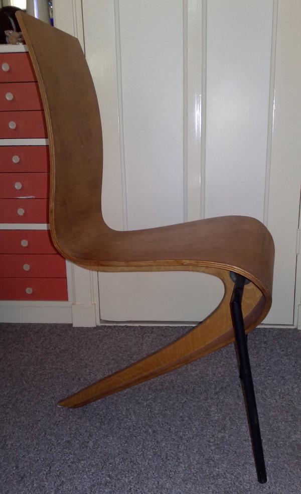 Mystery-Chair-03