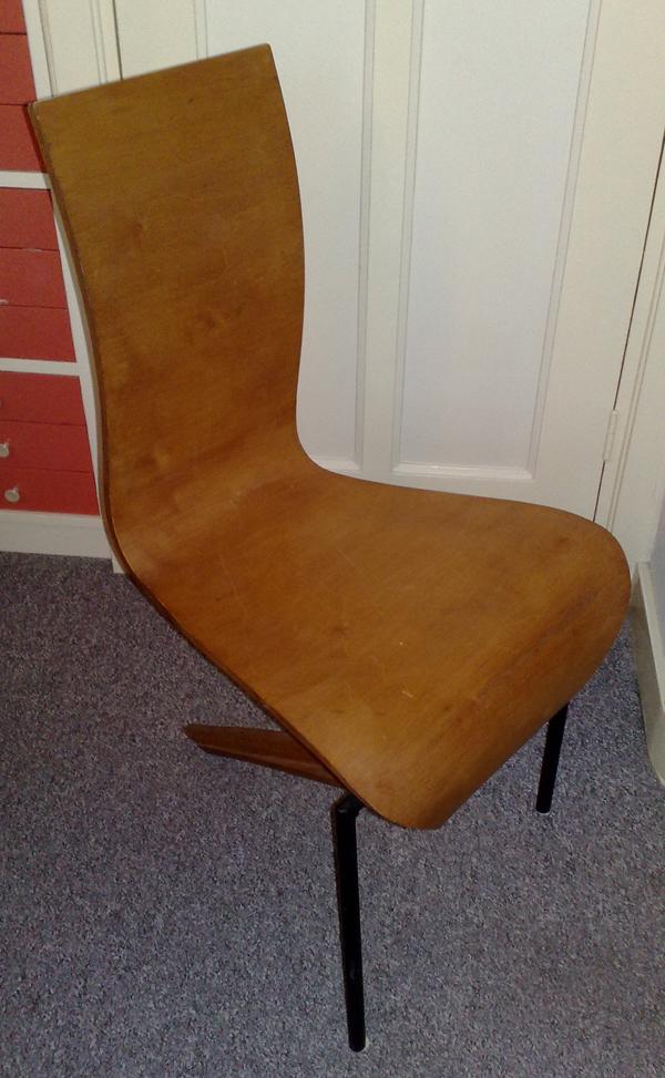 Mystery-Chair-04