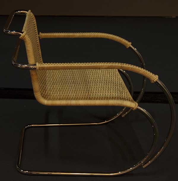 D42 By Ludwig Mies van der Rohe
