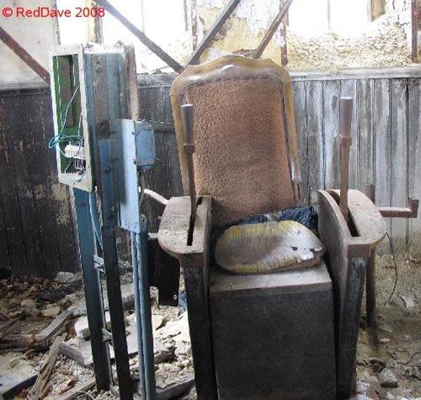 Hasard Cheratte Chair via RedDave