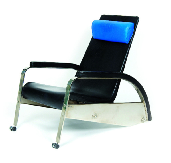 fauteuil de grand repos by jean prouve. Black Bedroom Furniture Sets. Home Design Ideas