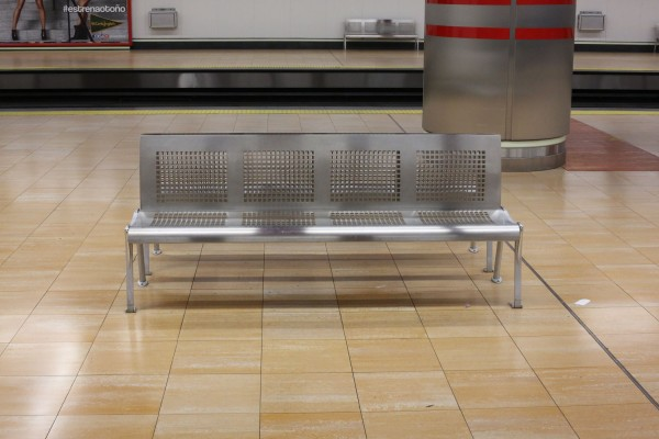Madrid Metro Bench I56A0574