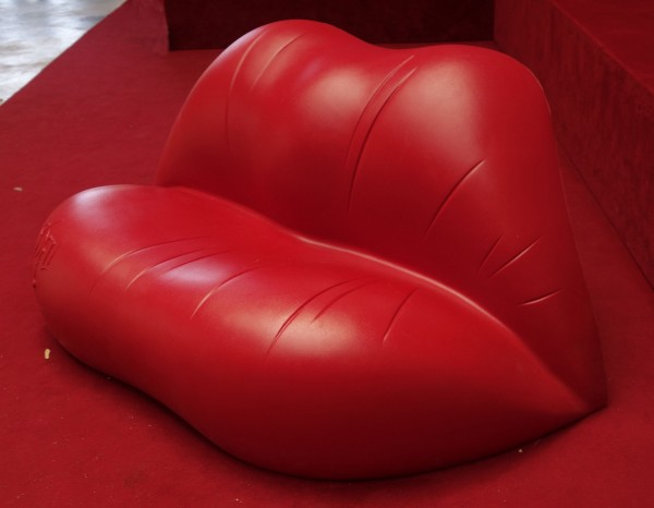 Dali Hot Lips Sofa_DSC4830kl
