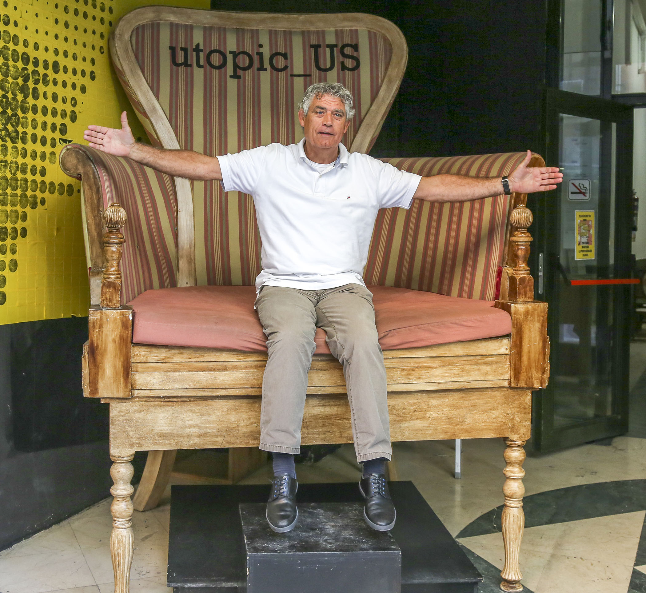 Classic Giant Chair Chairblog