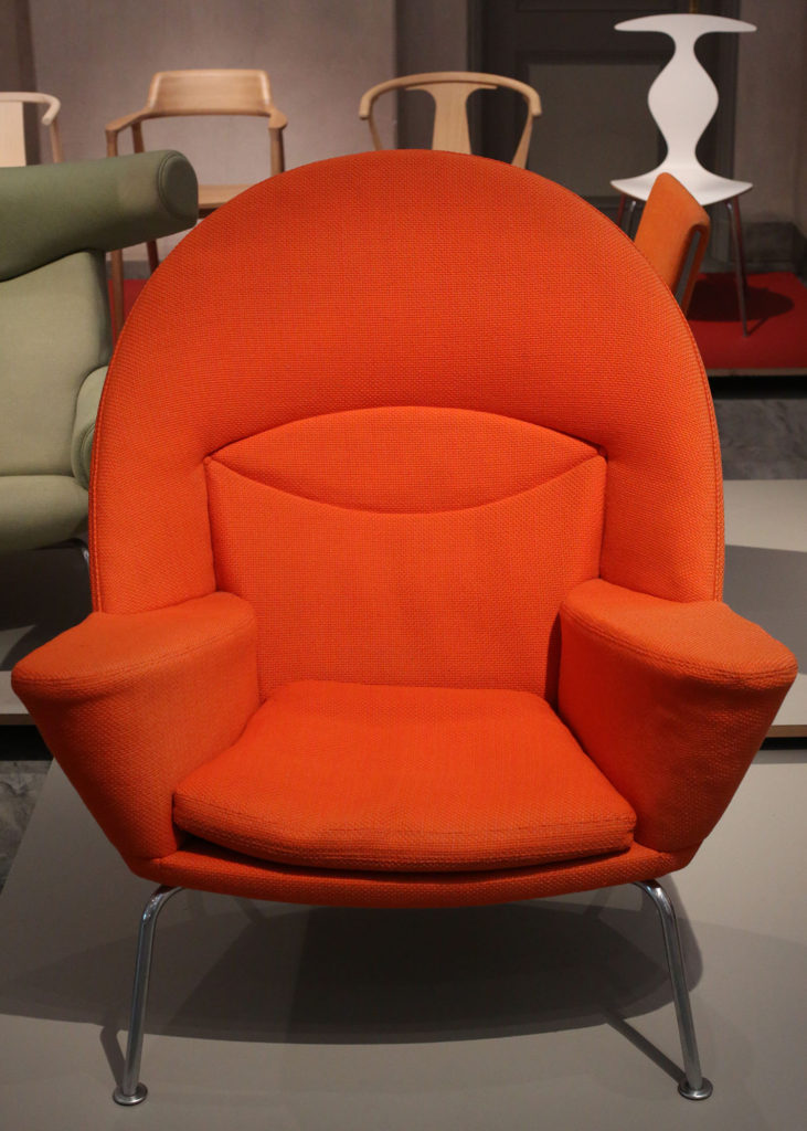 Red CH468 Oculus Chair by Hans Wegner