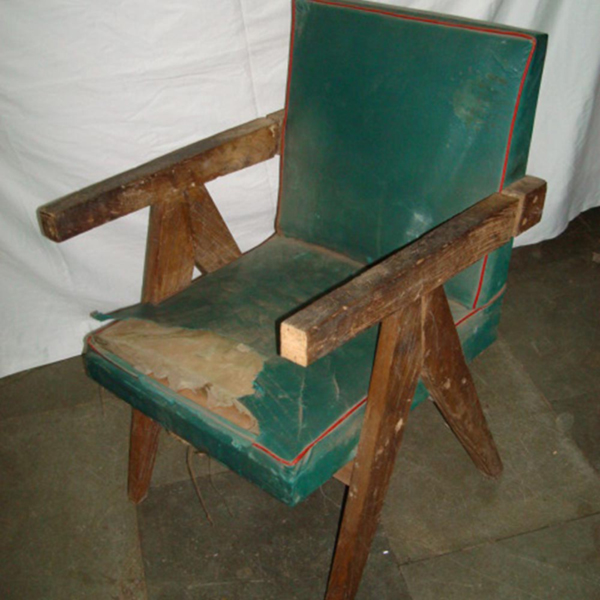 Dilapidated-Chandigarh-Chair-2