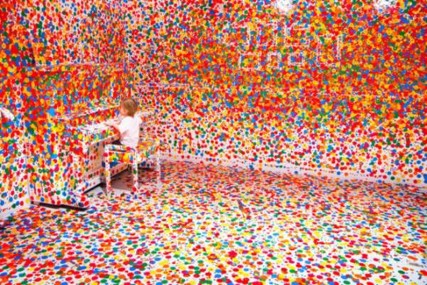 Dot-Your-Chair-by-Yayoi-Kusama-1