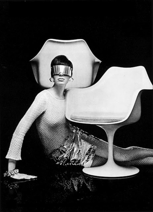Eero_Saarinen_Tulip_Chair-ad