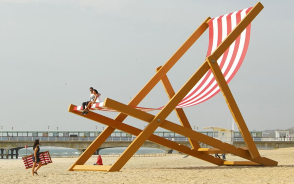 Giant-Deck-Chair