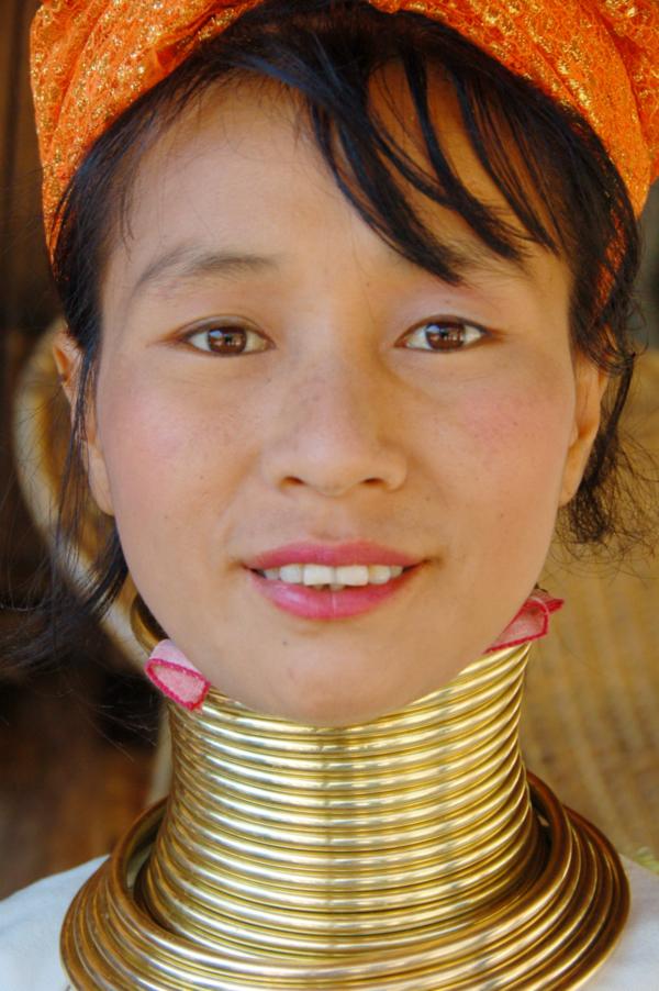 Paduang-Woman-Neck
