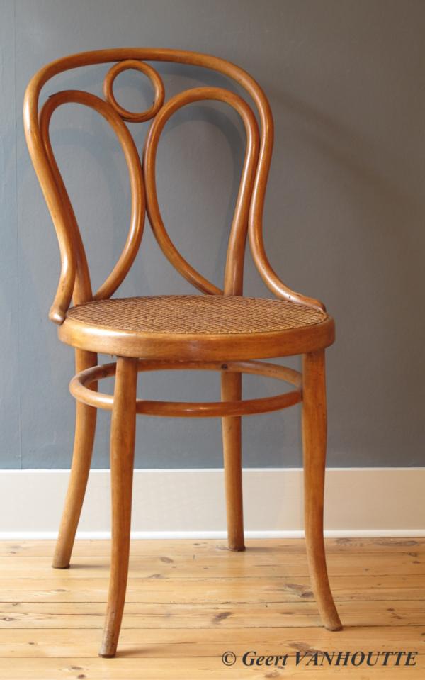 Angel Chair: Thonet-nr-19-ca-1887-1919
