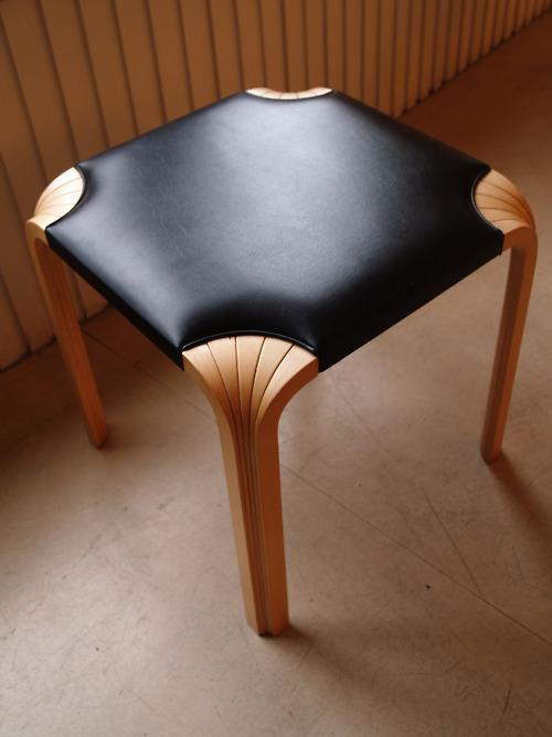 X6001 Stool by Alvar Aalto